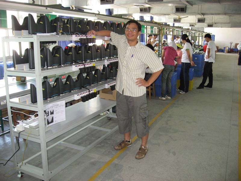 Hieu at the China's factory